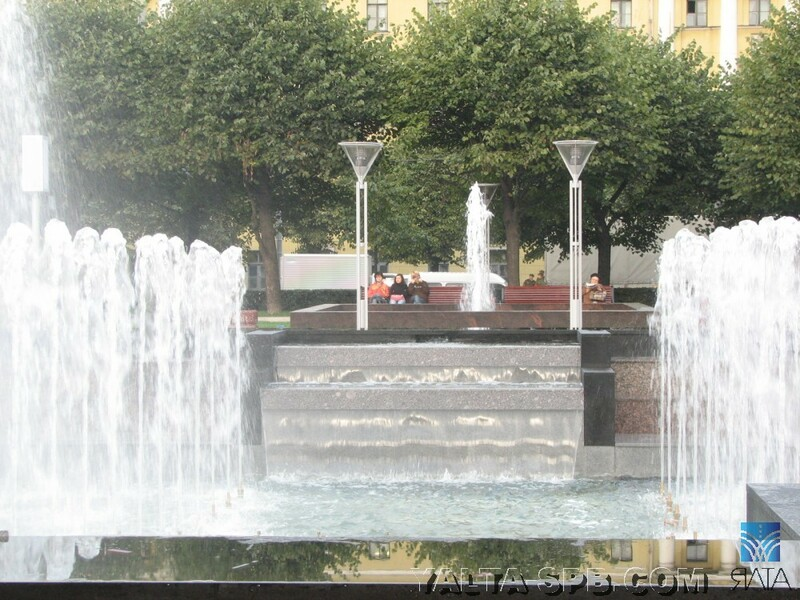 gorodskoy-fontan-ploschad-lenina_13