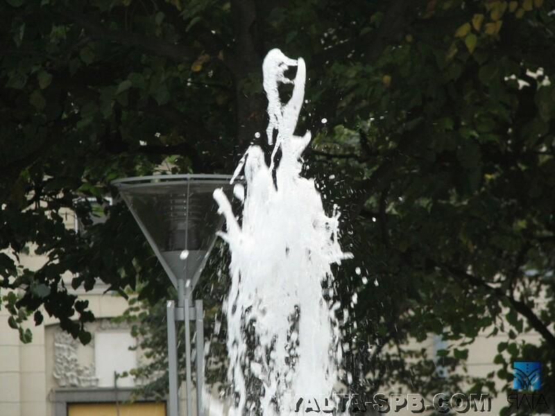 gorodskoy-fontan-ploschad-lenina_17