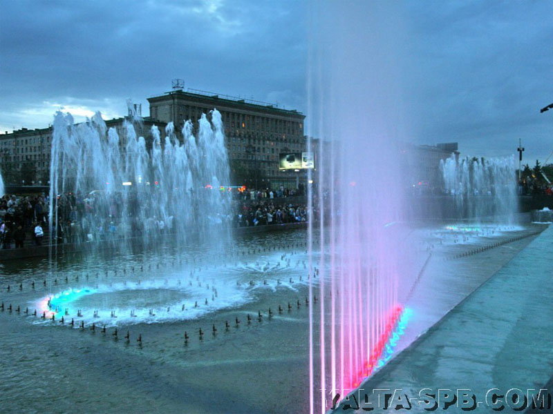 fontan-na-moskovskoy-ploschadi_10