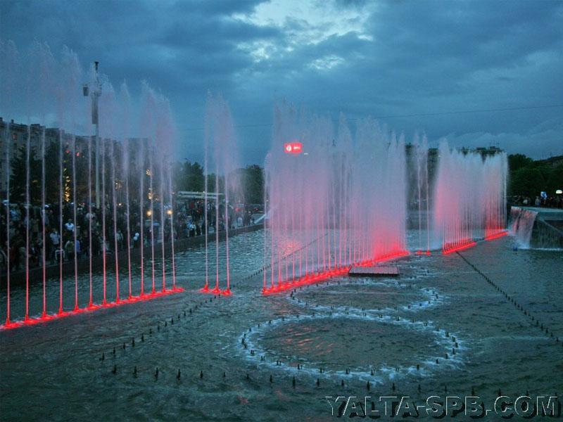 fontan-na-moskovskoy-ploschadi_12
