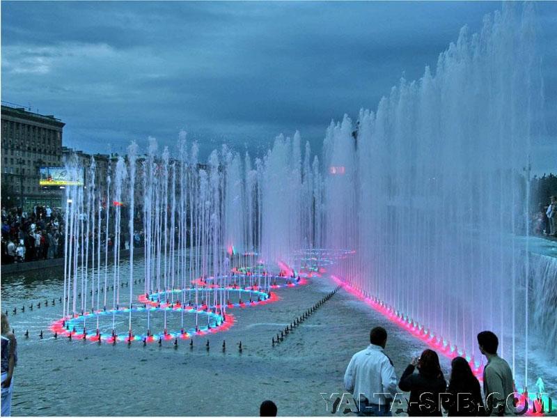 fontan-na-moskovskoy-ploschadi_3