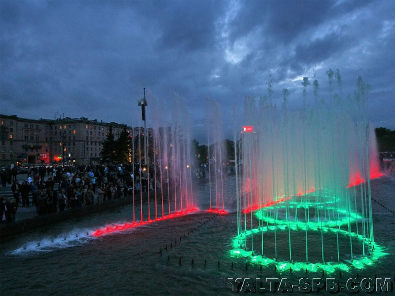 fontan-na-moskovskoy-ploschadi_4