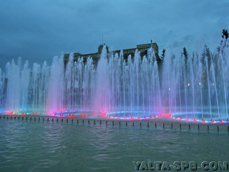 fontan-na-moskovskoy-ploschadi_9